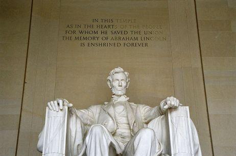 Abraham_Lincoln_Memorial_-_Washington_DC